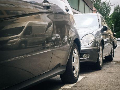 Parkende Auto. Symbolfoto: Pascal Höfig