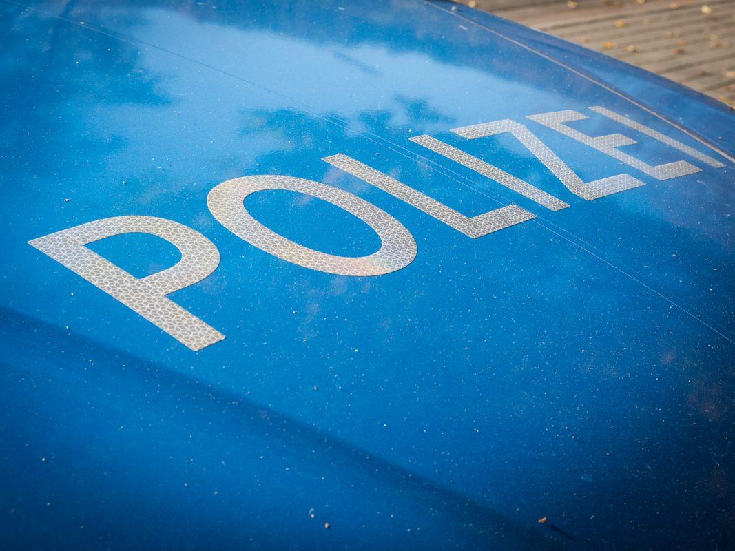 Streifenwagen Polizei - Symbolfoto: Pascal Höfig