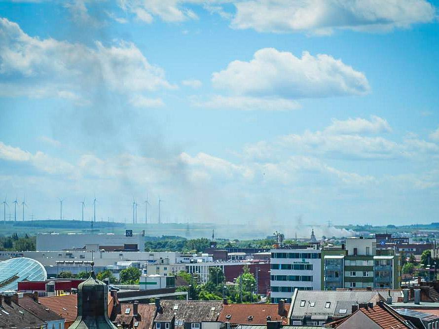 Rauchwolke über Bergrheinfeld. Foto: LR Medien