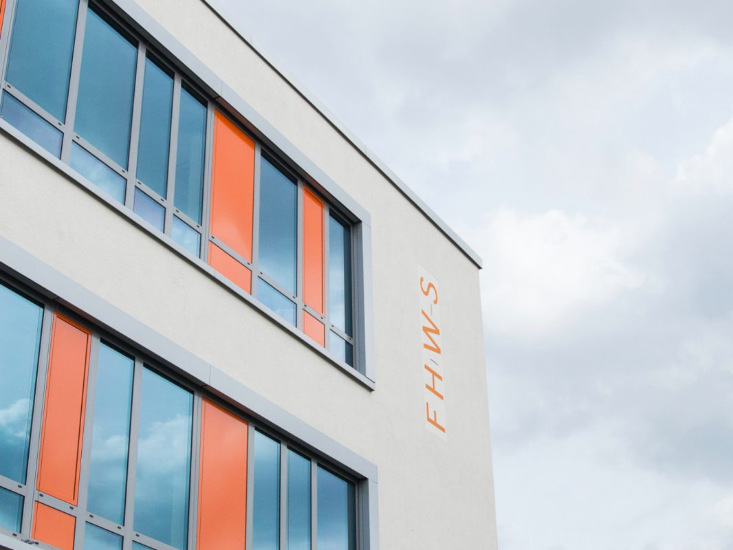 FHWS-Gebäude – Foto: Pascal Höfig.