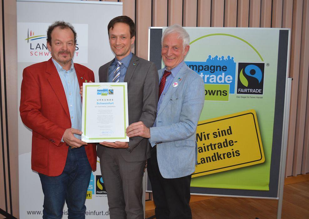 Der Landkreis Schweinfurt darf sich nun offiziell Fairtrade-Landkreis nennen. Foto: Uta Baumann