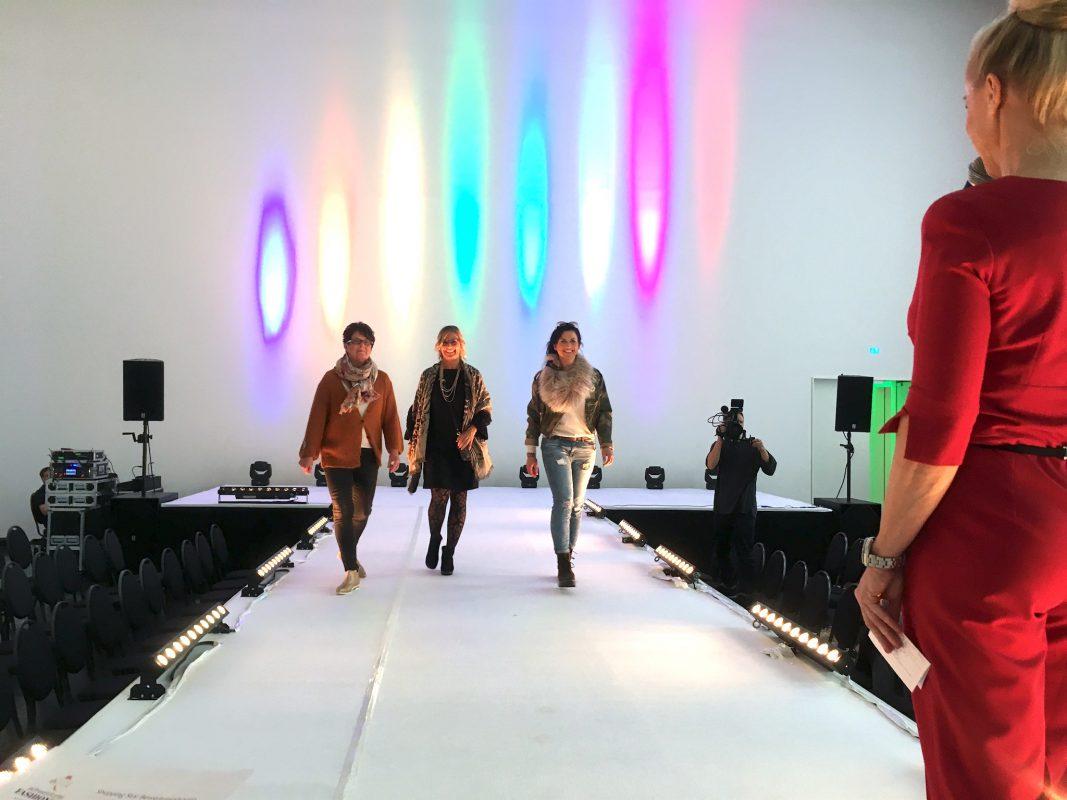 Die Kandidatinnen des Shopping-Wettbewerbs am Fashion Day in Schweinfurt. Foto: Meliz Kaya