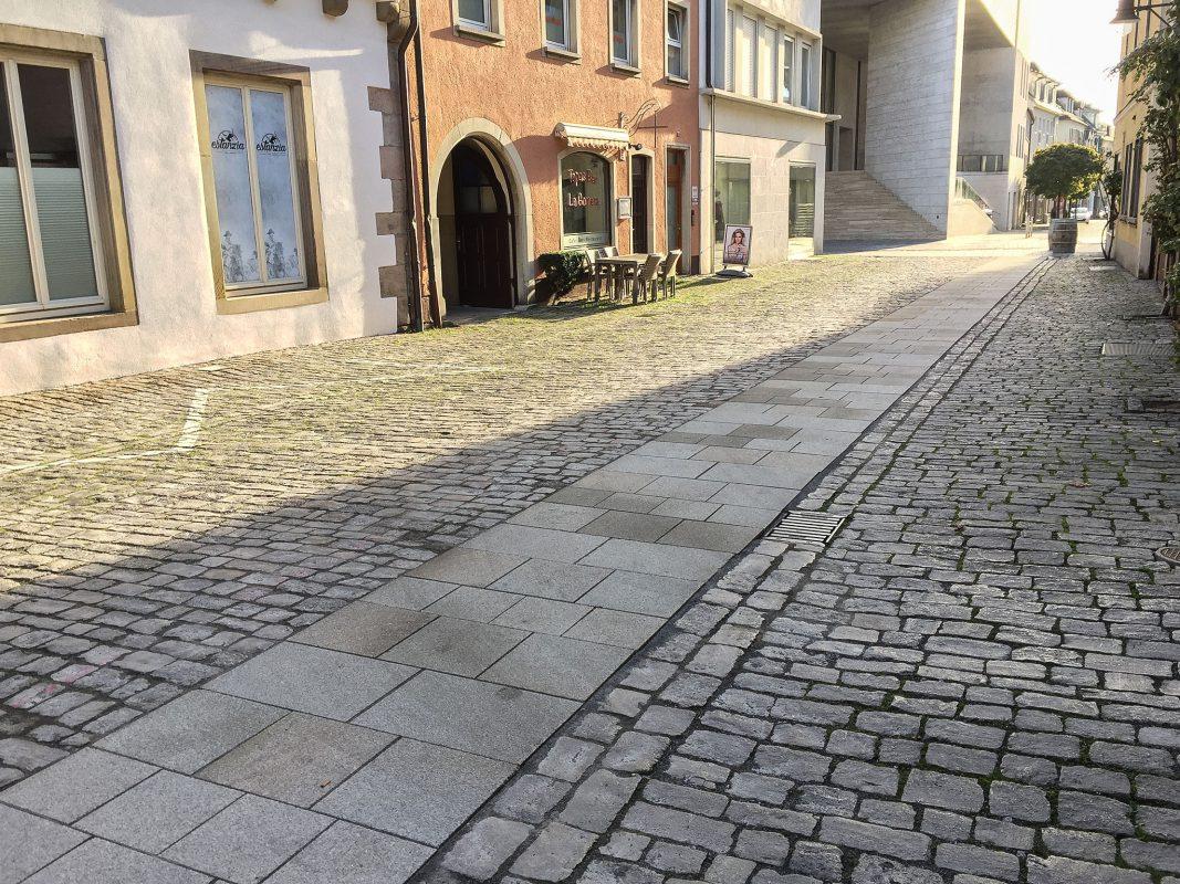 Fertigstellung der Gehbahn im Stadtteil Zürch. Foto: Markus Sauer, Stadt Schweinfurt