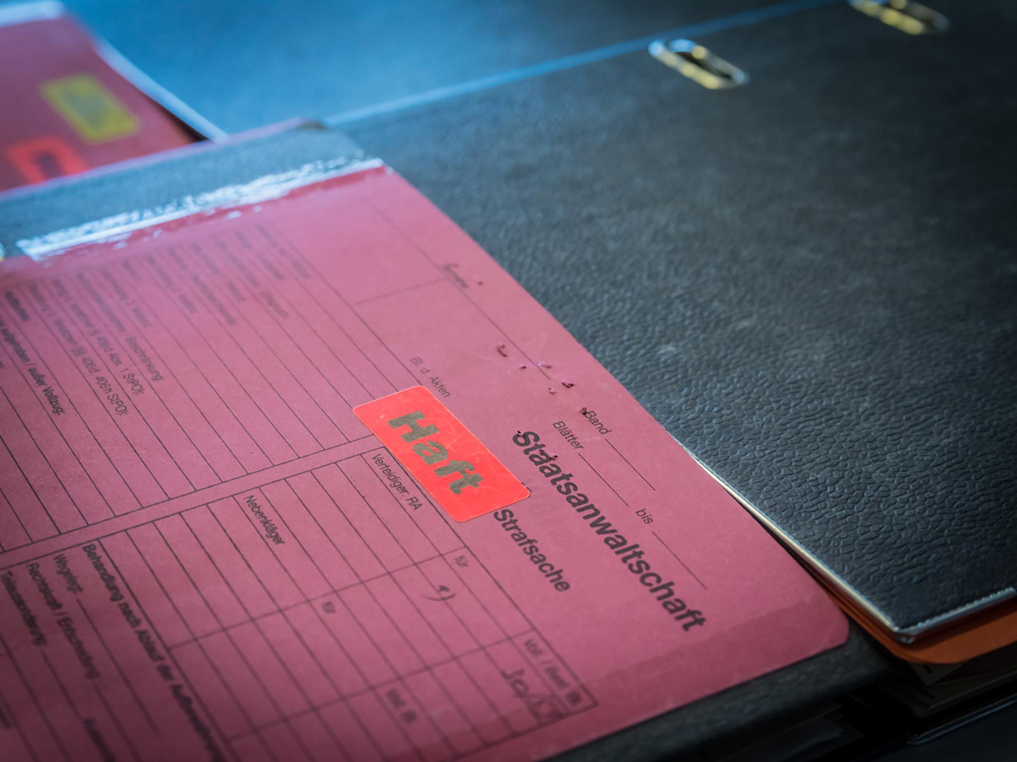Ermittlungsakte der Staatsanwaltschaft. Symbolfoto: Pascal Höfig