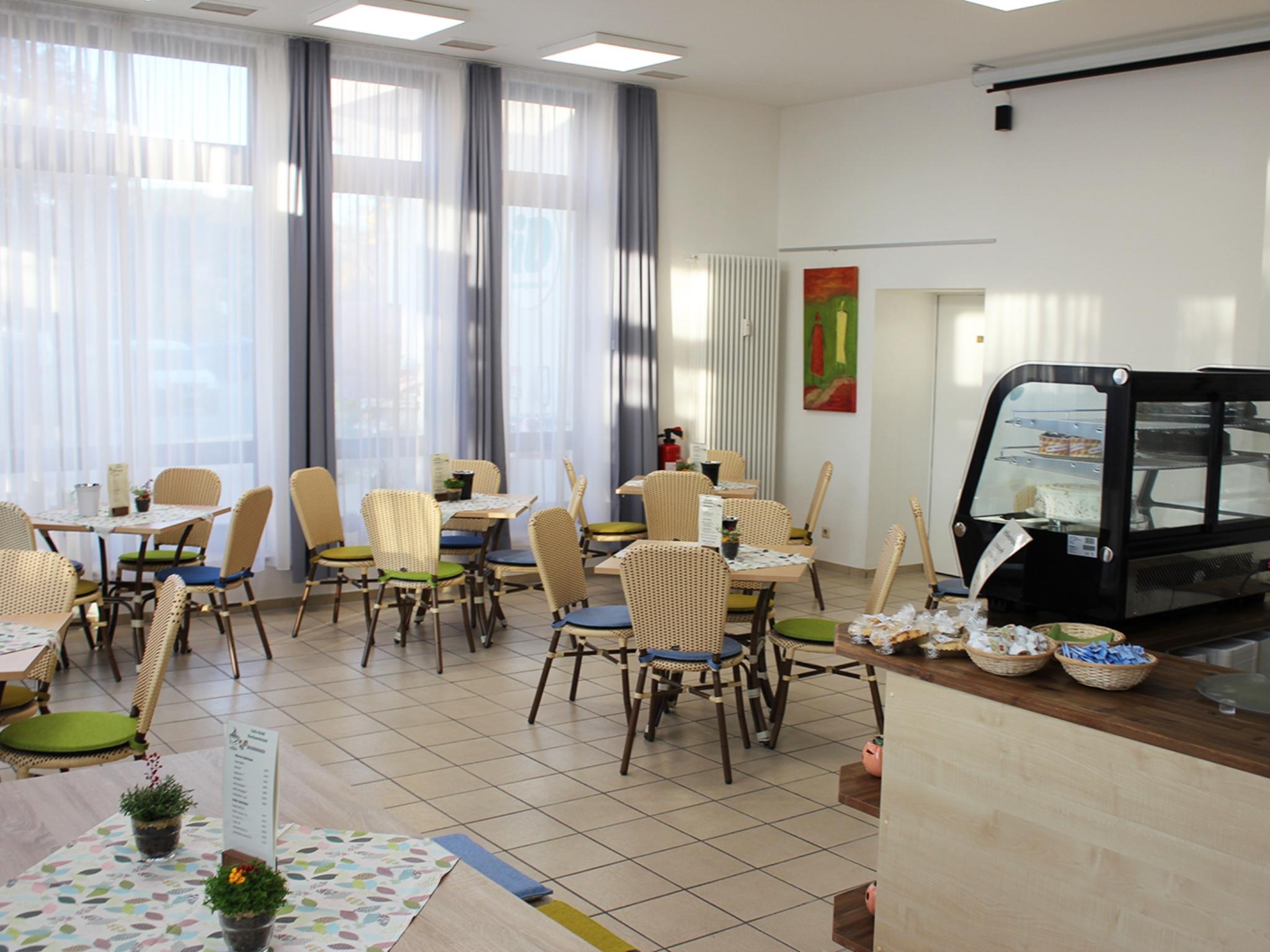 Helle und barrierefreie Räumlichkeiten Am Deutschhof 21: Das Café-RAW hat dienstags bis donnerstags von 9 Uhr bis 15.30 Uhr und freitags nach Anmeldung geöffnet. Foto: Reto Glemser