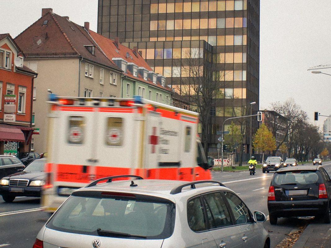 Symbolbild Rettungswagen in Schweinfurt – Foto: Dominik Ziegler