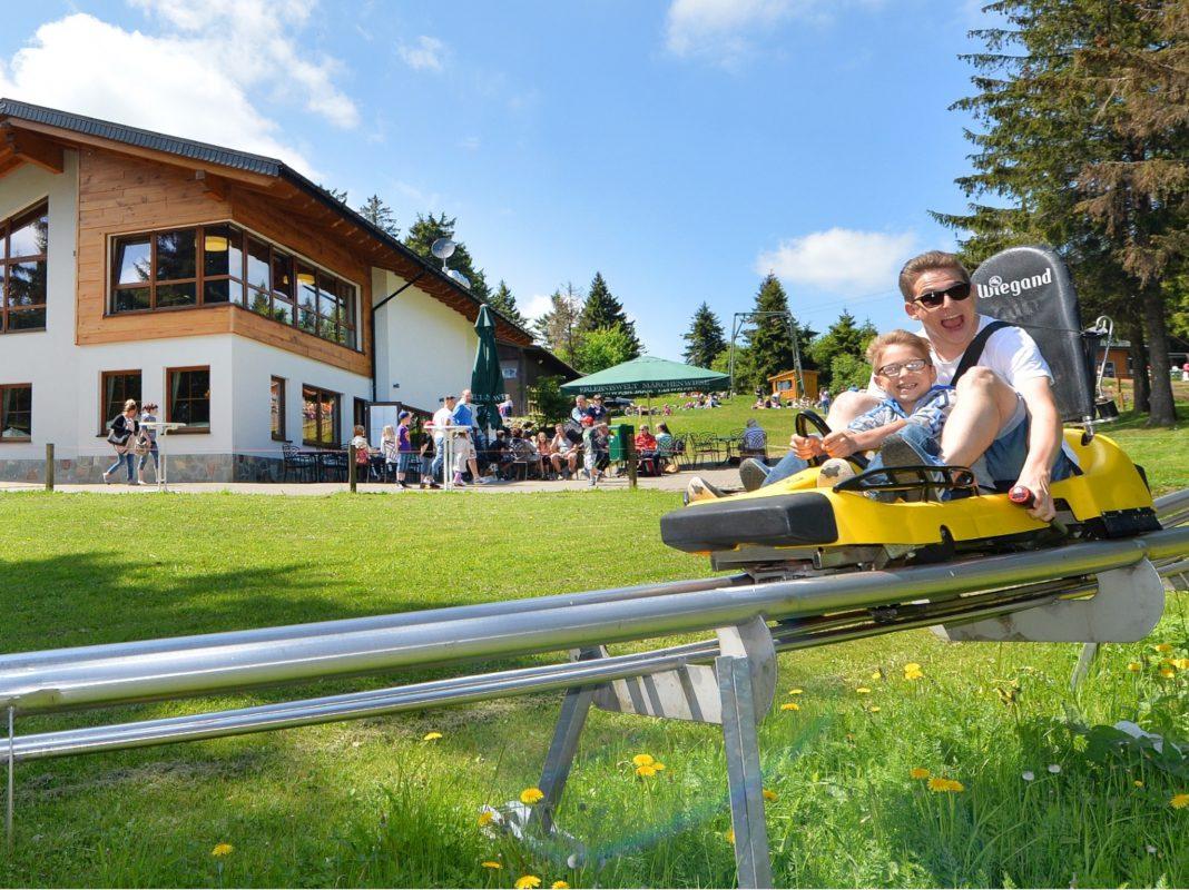 Der Rhönbob auf der Wasserkuppe. Foto: Wiegand Erlebnisberge GmbH