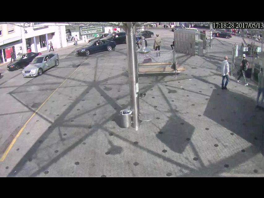 Die Überwachungskamera am Rossmarkt hat die Fahrt aufgezeichnet. Quelle: Polizei-Videokamera