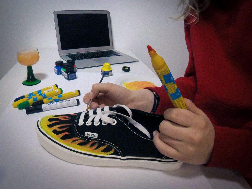 DIY: Schuhe bemalen - Foto: Dominik Ziegler