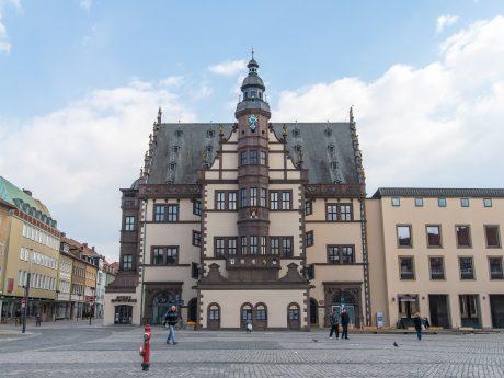 Rathaus und Marktplatz - Foto: Pascal Höfig