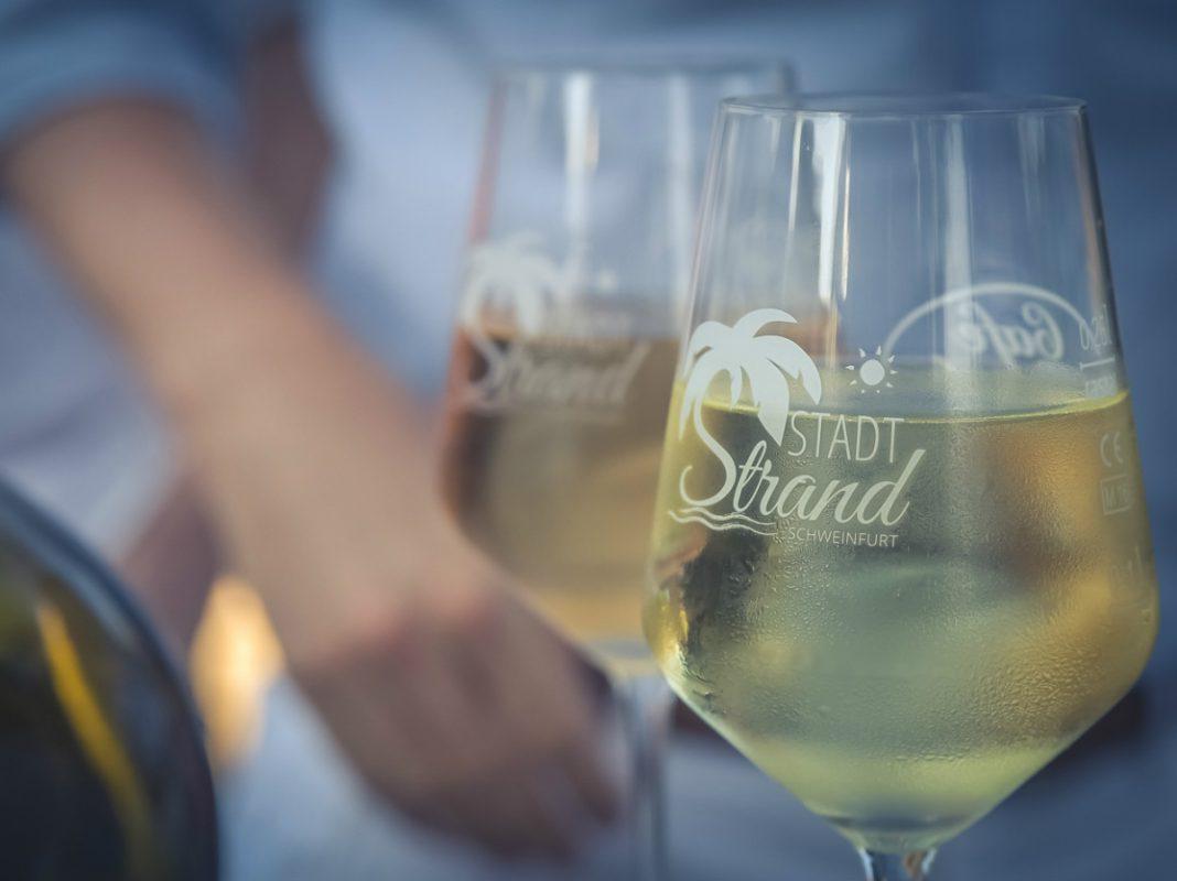 Wein am Strand - Foto: Pascal Höfig