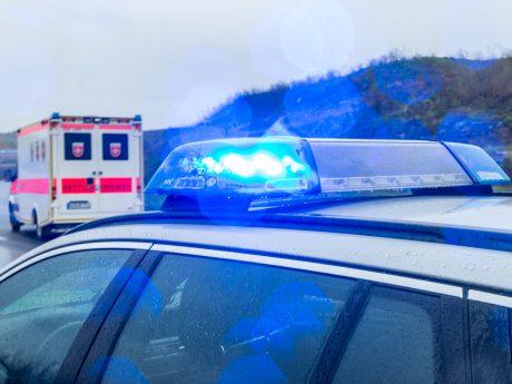 Polizei und Rettungsdienst. Symbolfoto: Pascal Höfig