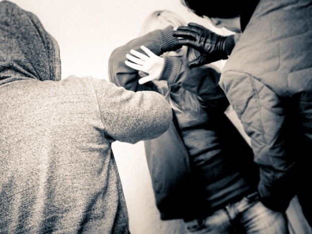 Symbolbild Angriff/Belästigung. – Foto: Pascal Höfig