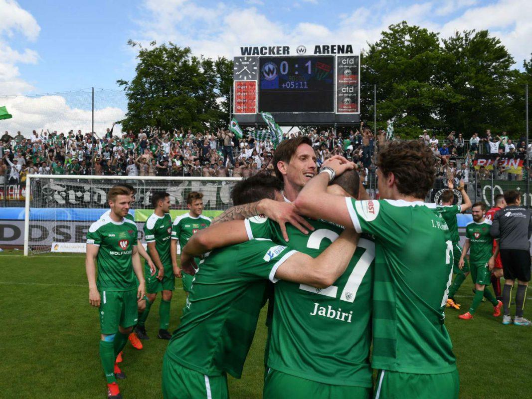 Die Schnüdel beim Gewinn des bayerischen Toto-Pokals. Foto: Bayerischer Fußball–Verband e.V.