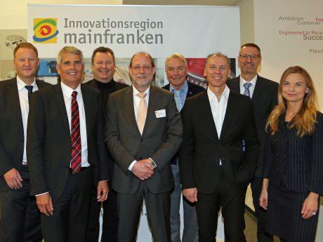 Denker Treffen Lenker informierten über die Chancen der Elektromobilität - Foto: Rudi Merkl