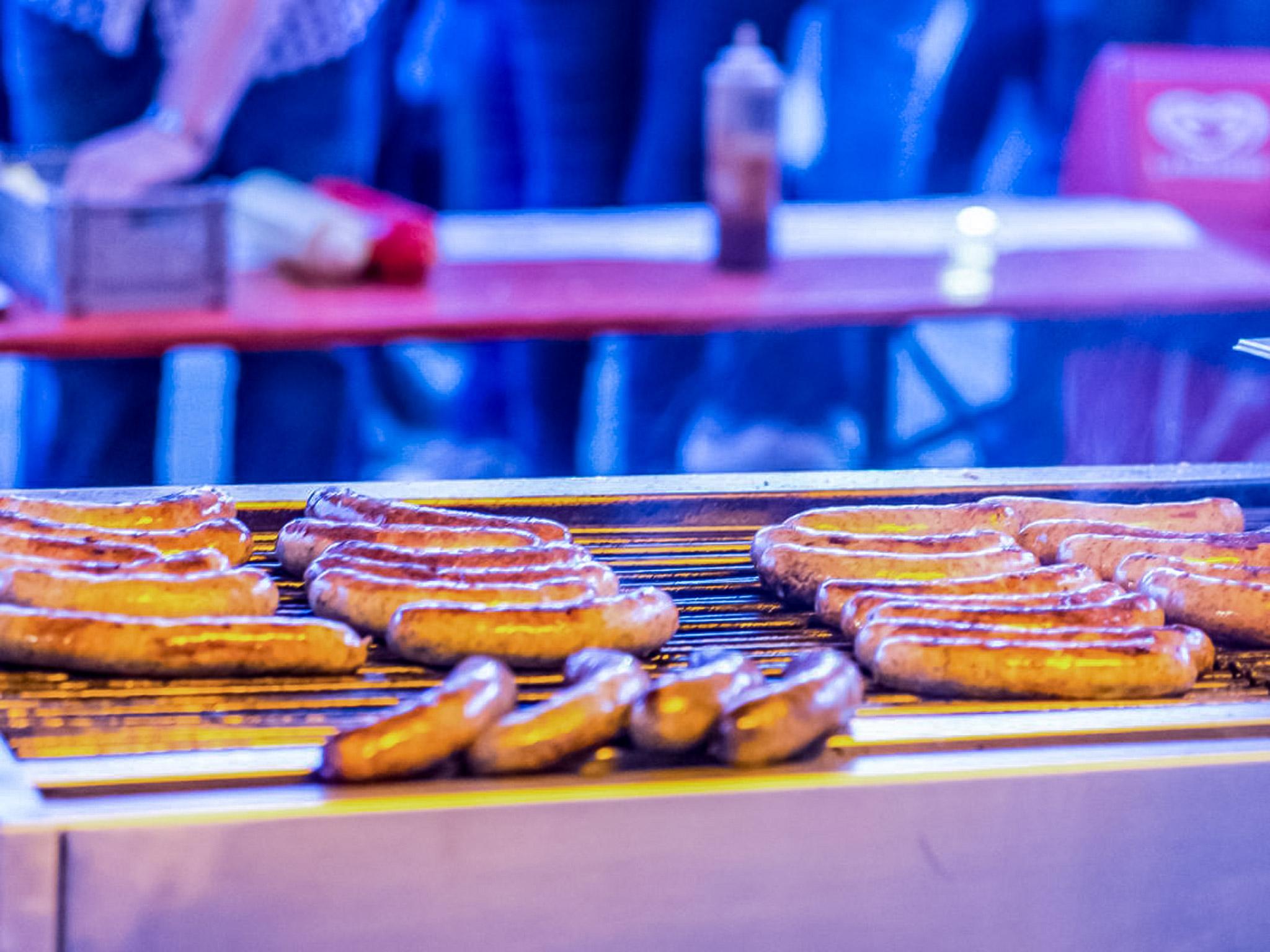 Bratwurst vom Grill. Symbolfoto: Pascal Höfig