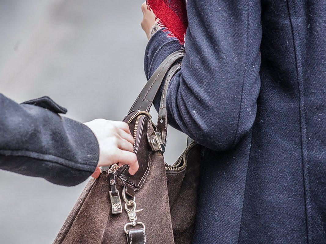 Symbolbild Taschendiebstahl. Pascal Höfig
