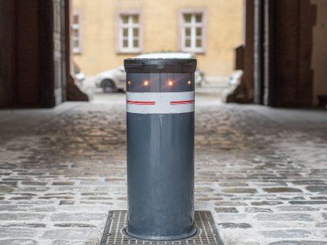 Zufahrtsblockierung für Fahrzeuge feste Sicherheitspoller. Foto: Pascal Höfig