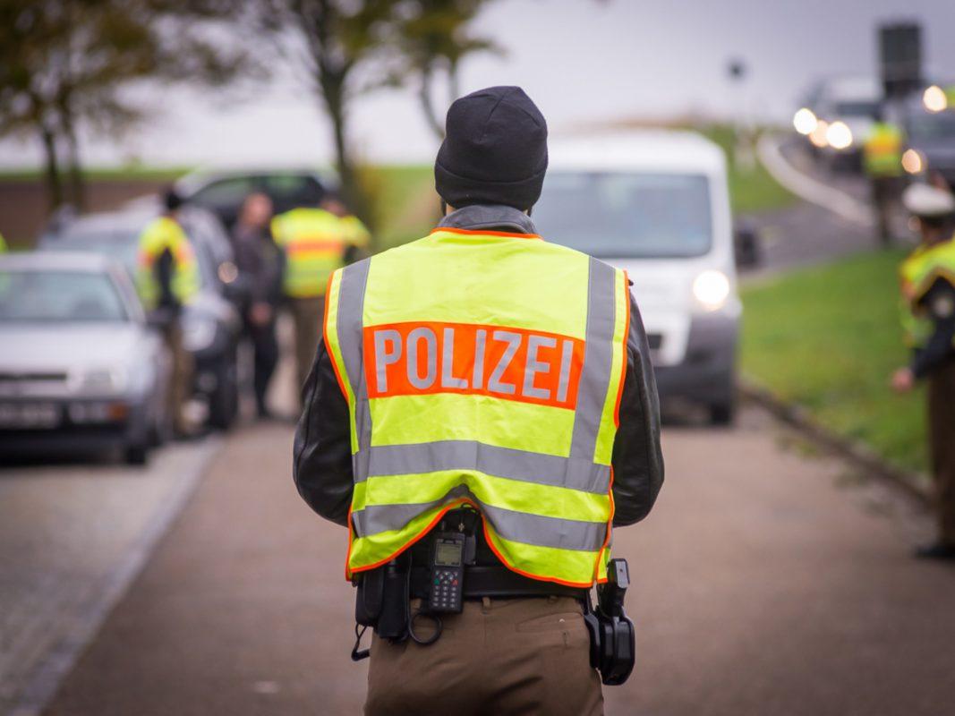 Polizeikontrolle. Symbolfoto: Pascal Höfig