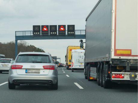 Auf der Autobahn. Symbolfoto: Pascal Höfig