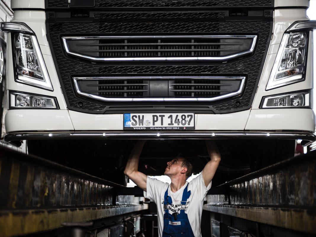 PPPPPPP KUNDEN NICHT VERWENDEN Azubi Florian bei der Arbeit. Foto: Pabst Transport GmbH & Co. KG