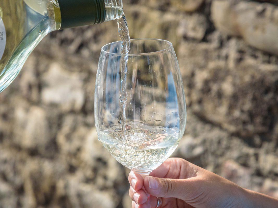 Zeit für einen Wein. Symbolfoto: Pascal Höfig
