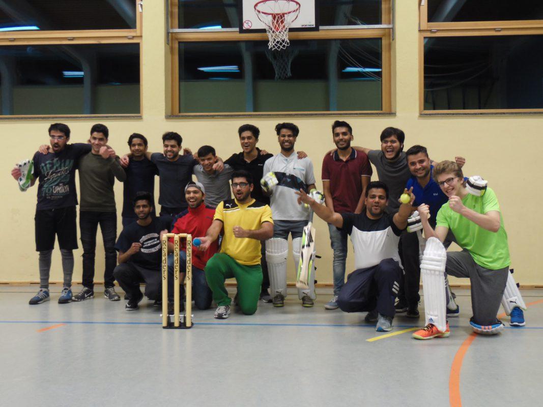 Teambild der Cricket-Mannschaft. Foto: Ronald Kraatz/ISB
