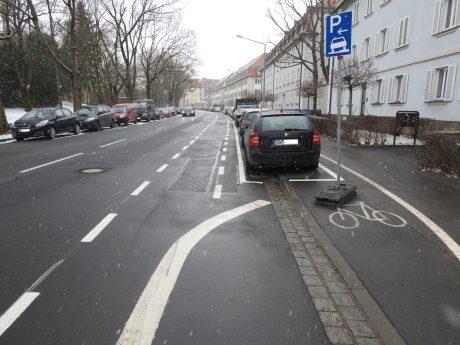 Neuer Fahrradschutzstreifen in der Ignaz-Schön-Straße. Foto: Dirk Flieger
