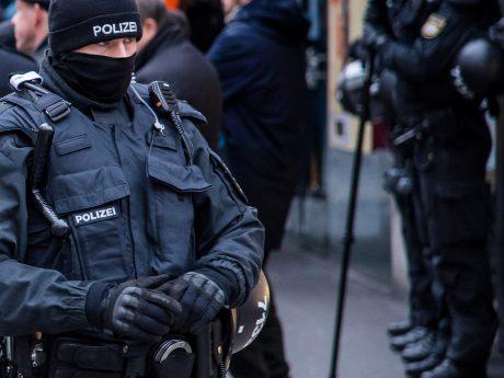 Polizeibeamter. Symbolfoto: Pascal Höfig