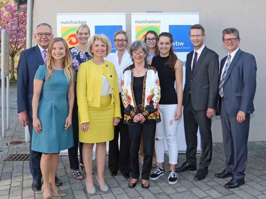 Macherinnen beim 15. Wirtschaftsforum Mainfranken – gemeinsam mit den Gastgebern Foto: Rudi Merkl