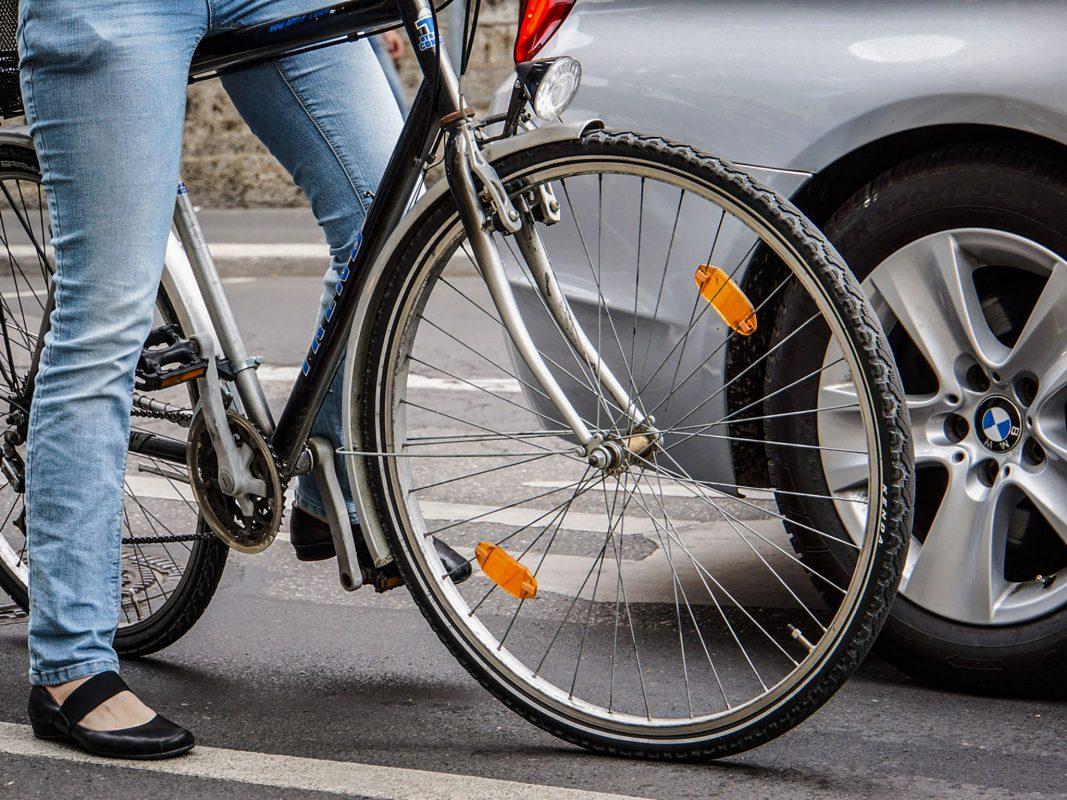 Fahrrad im Straßenverkehr. Symbolfoto: Dominik Ziegler