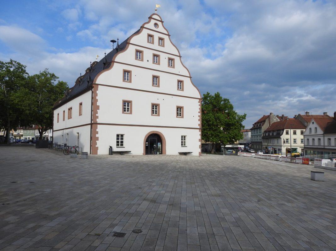 Der Zeughausplatz mit Zeughaus. Foto: Dirk Flieger