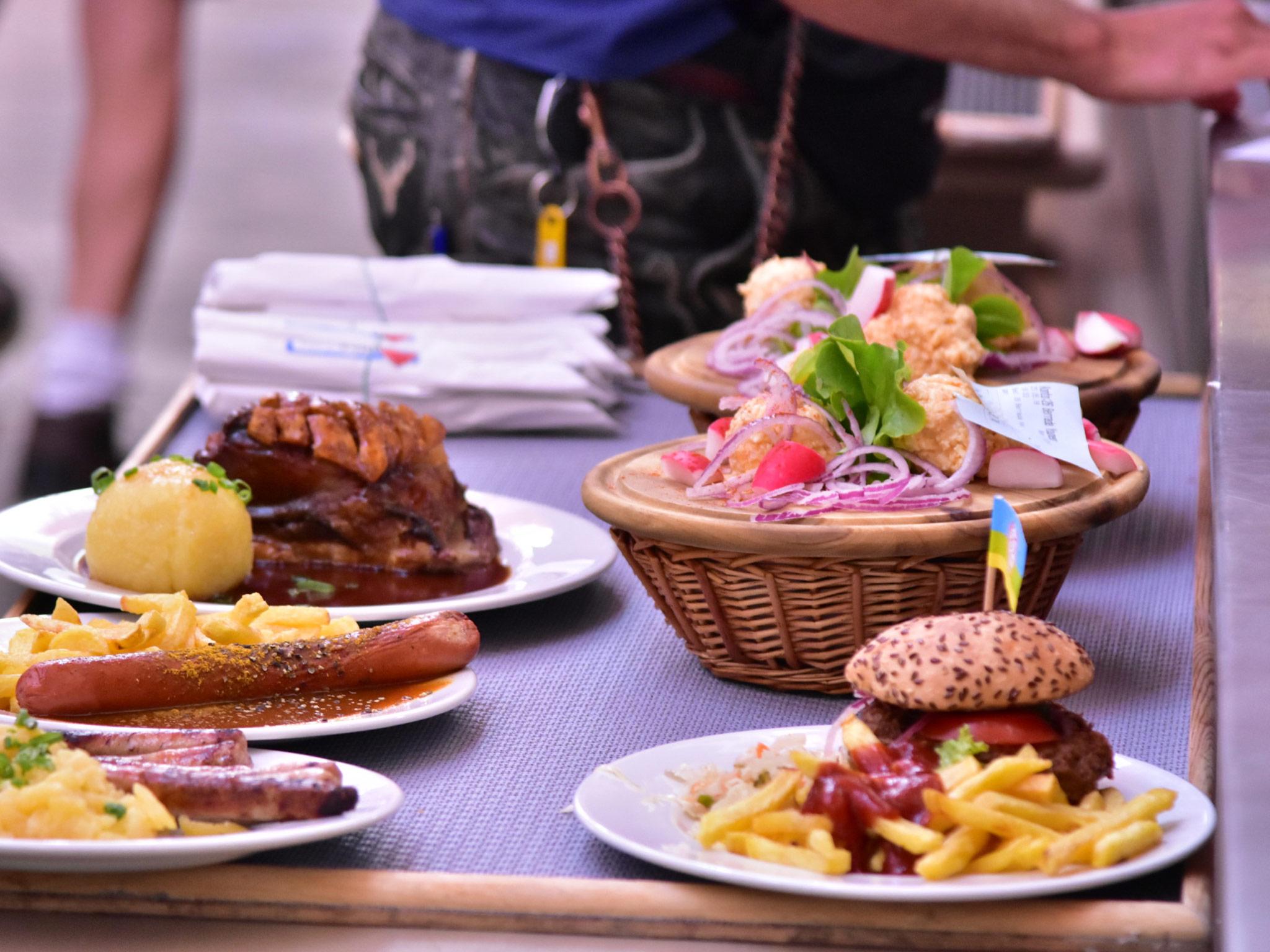 Alles was das Herz begehr im Hahn Zelt! Foto: Hahn Zelt + Catering GmbH