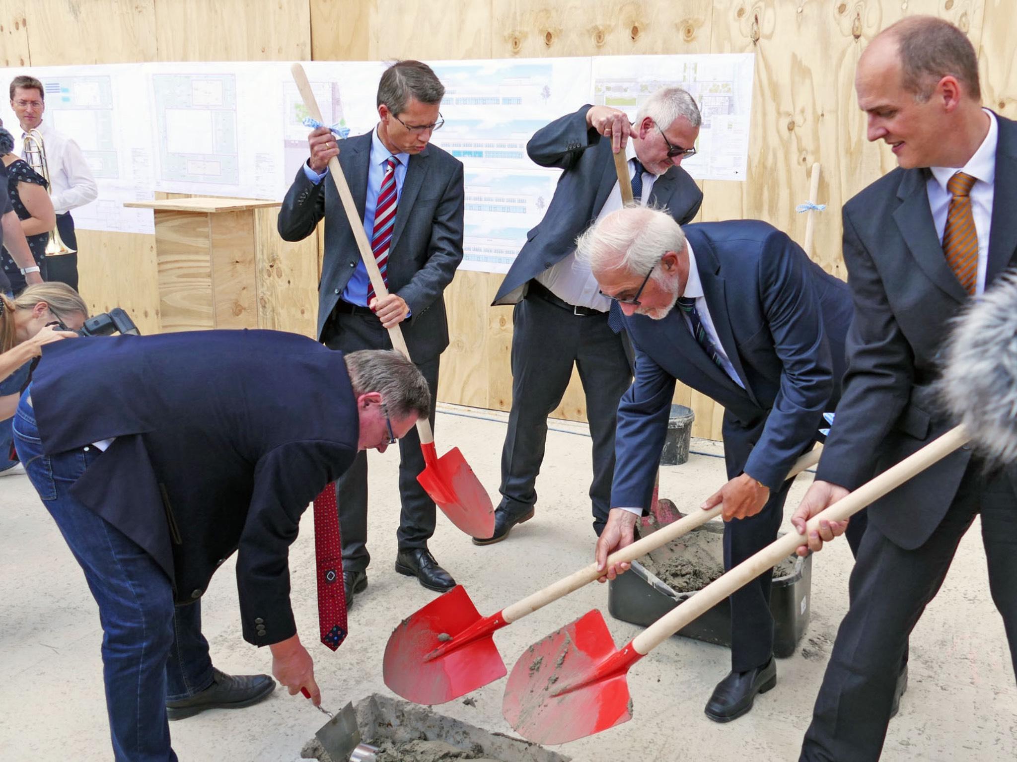 Grundsteinlegung des Neubaus der Fakultät Wirtschaftsingenieurwesen der FHWS. Foto: FHWS Würzburg-Schweinfurt