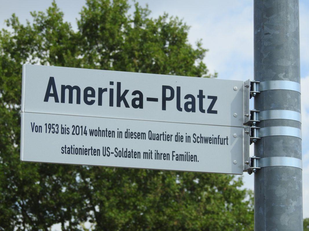 Neue Straßennamen in Bellevue. Foto: Dirk Flieger