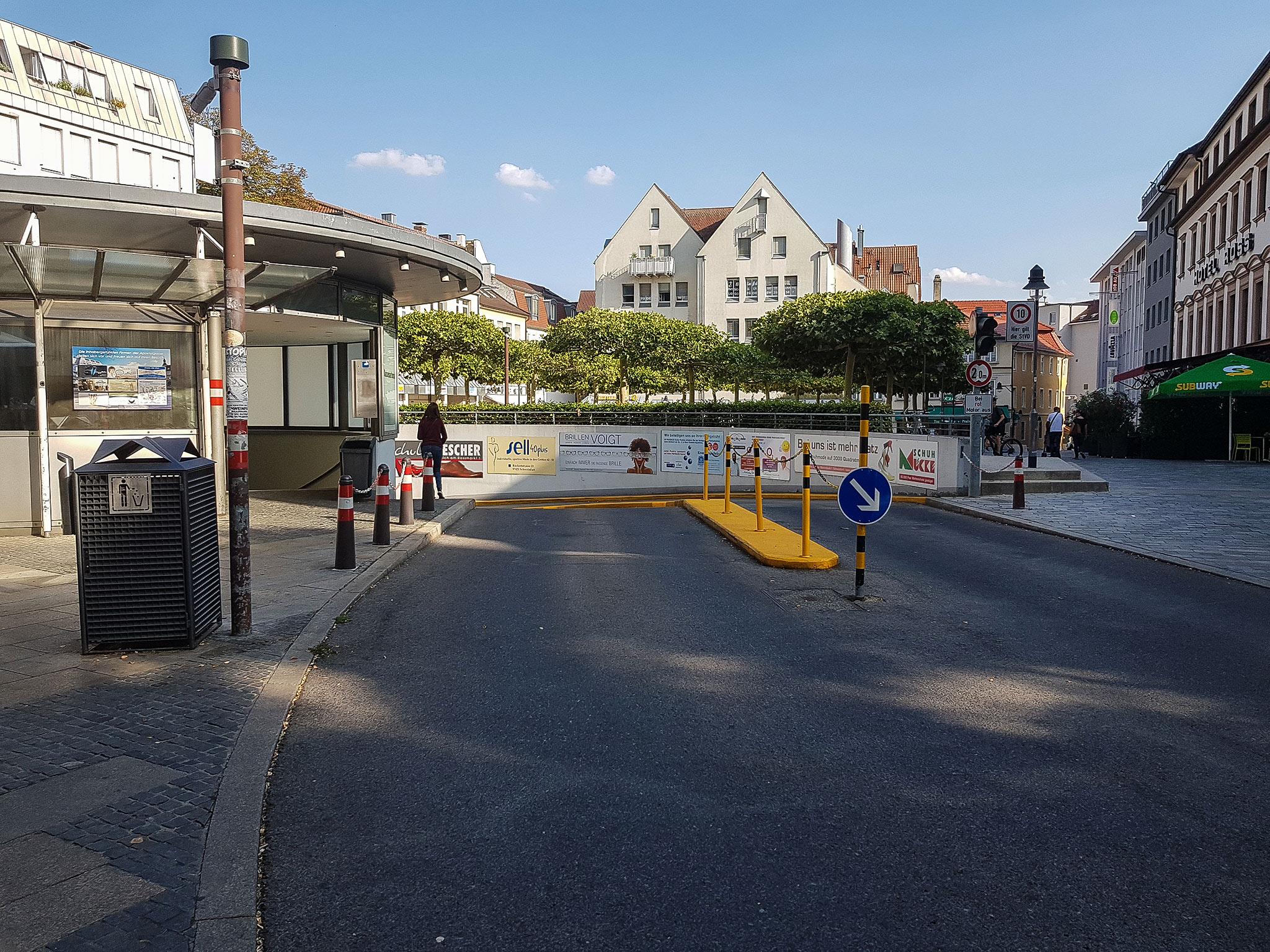 Shopping nach Belieben und die Kosten fürs Parkticket sparen? Darüber freuen sich nicht nur Sparfüchse. Foto: Dirk Flieger