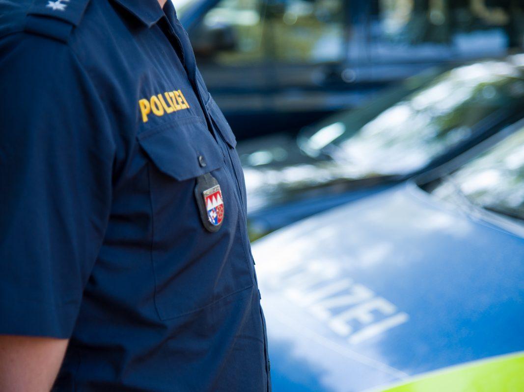 Ein Polizeibeamter. Symbolfoto: Pascal Höfig