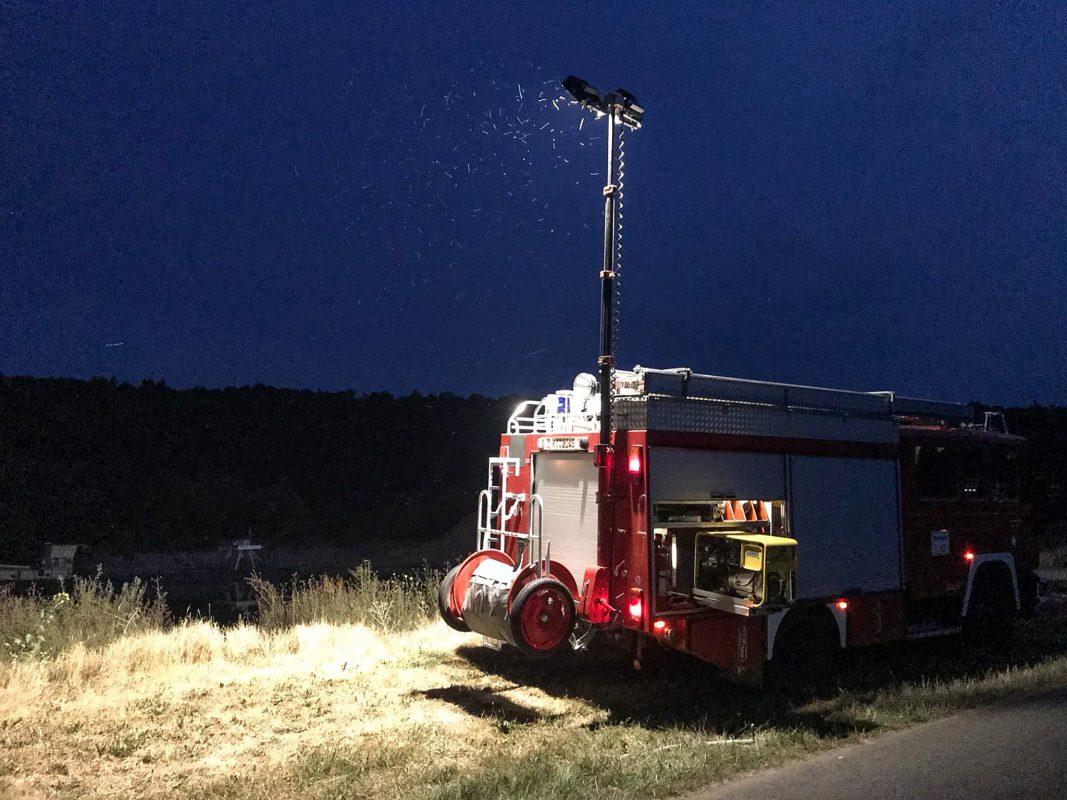 Der männliche Leichnam wurde zwischen Volkach und Fahr gefunden. Foto: Feuerwehr Volkach