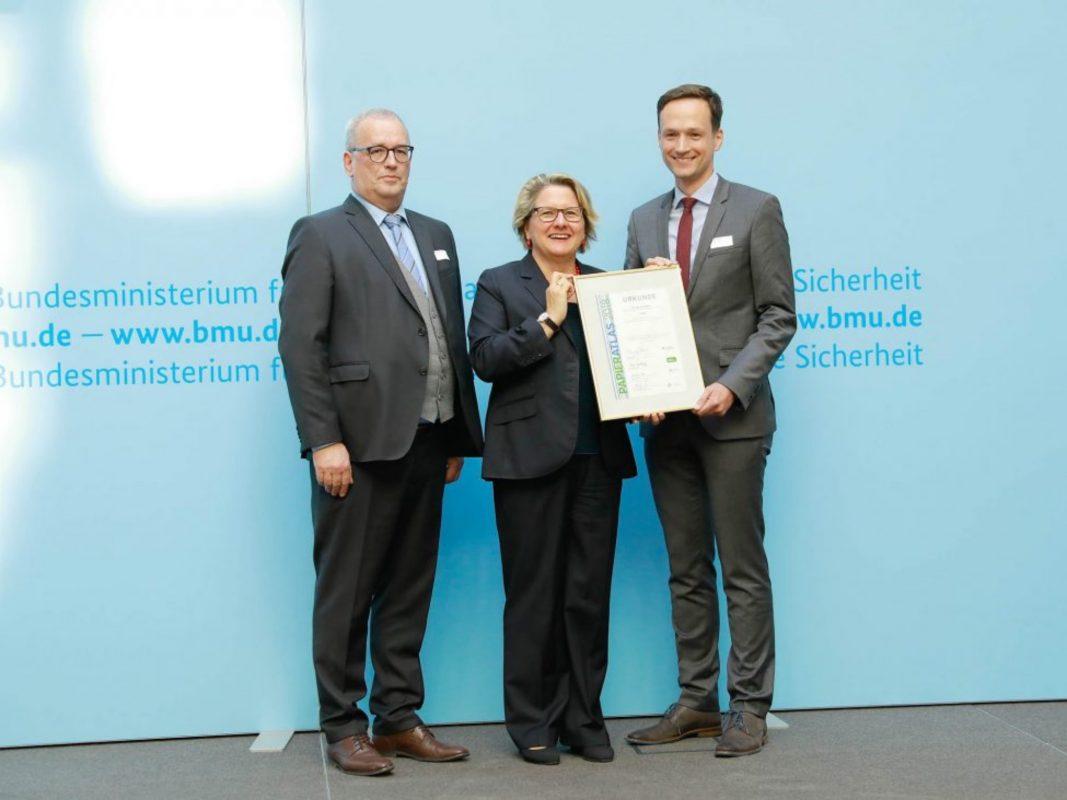 Ulrich Feuersinger (Sprecher der IPR), Bundesumweltministerin Svenja Schulze, Landrat Florian Töpper (v.l.). Foto: Foto Kirsch