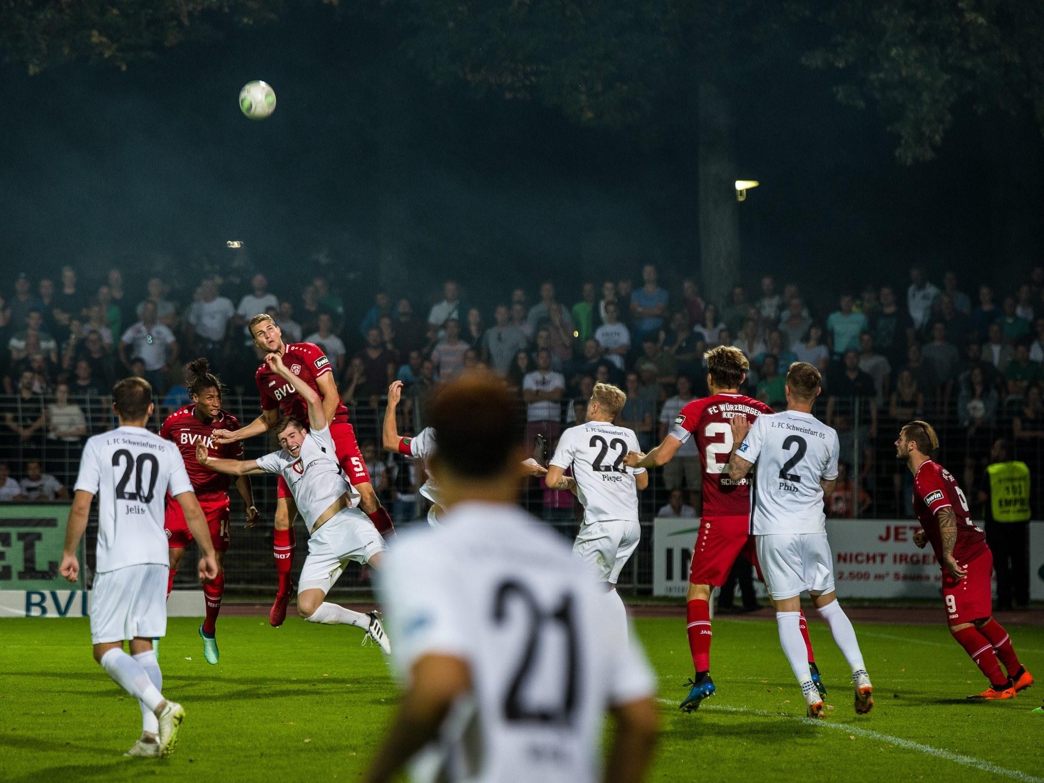 Fußball in Schweinfurt. Symbolfoto: Pascal Höfig