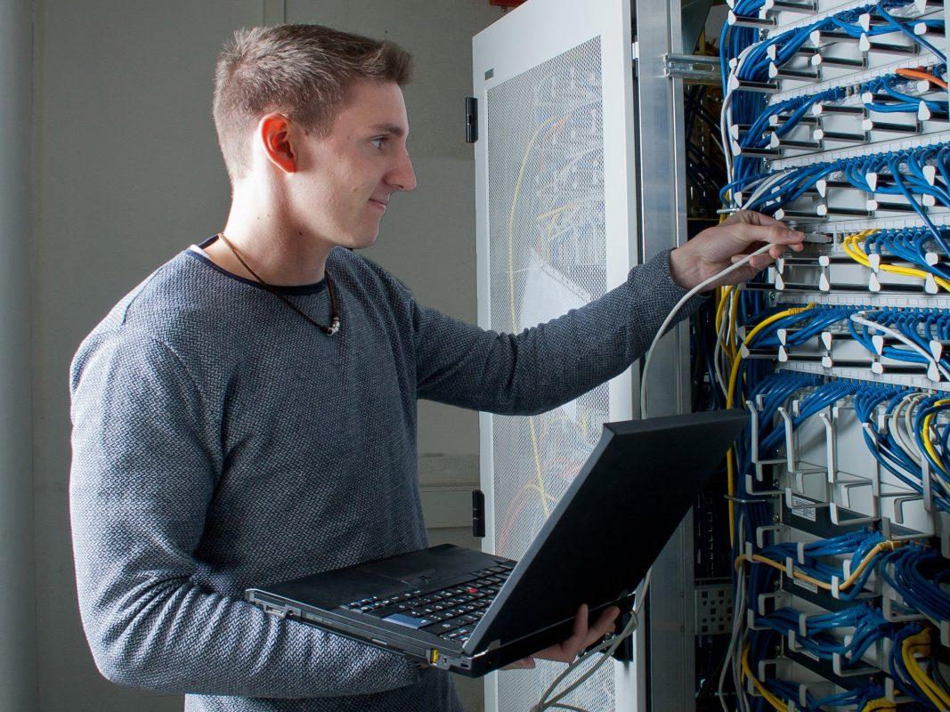 Jonas wird Informatikkaufmann. Foto: Pabst Transport GmbH & Co. KG