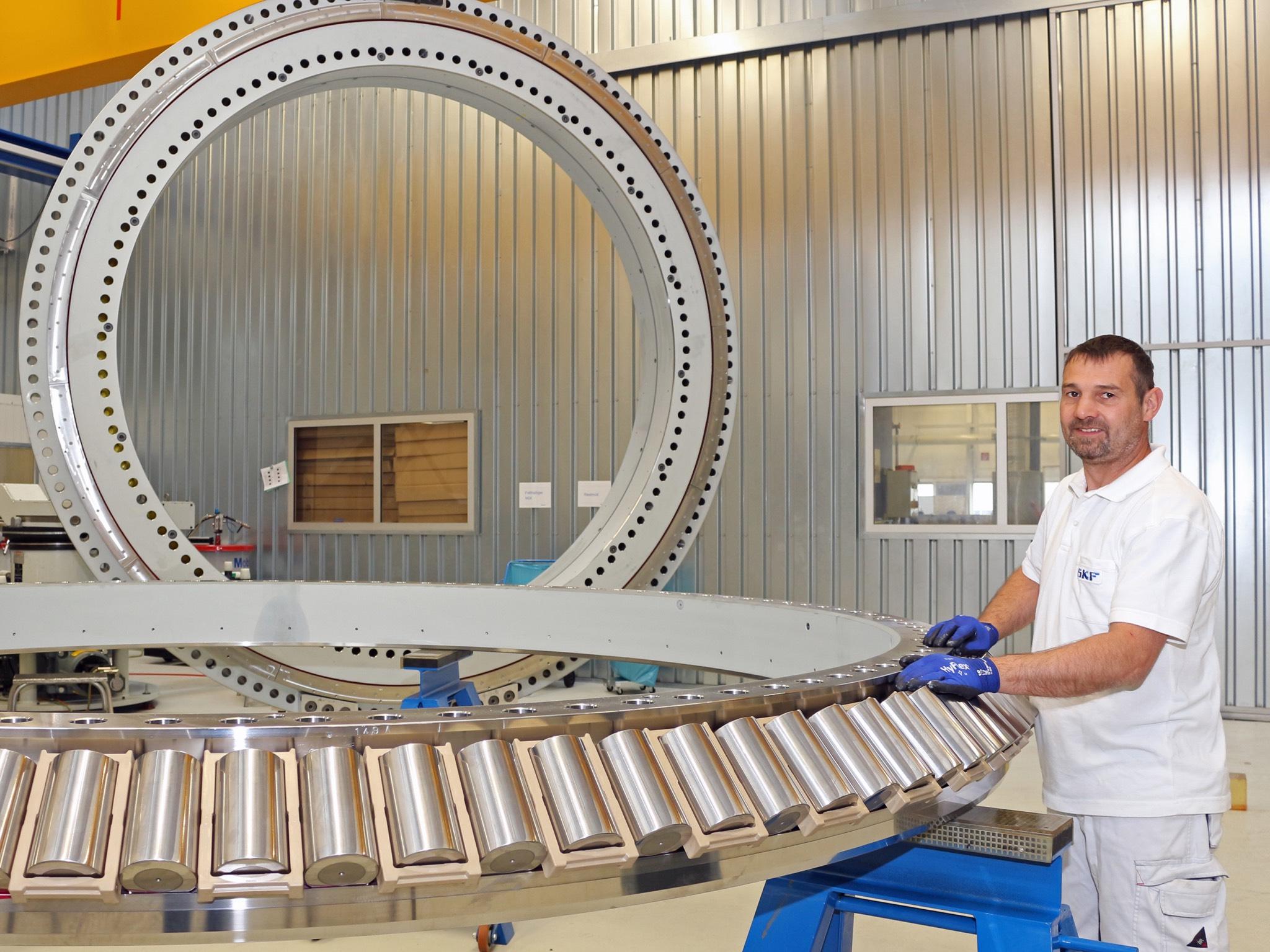 Am Standort Schweinfurt investiert SKF 11,5 Millionen Euro in eine hochmoderne Produktionslinie für Großlager-Rollen. Foto: SKF