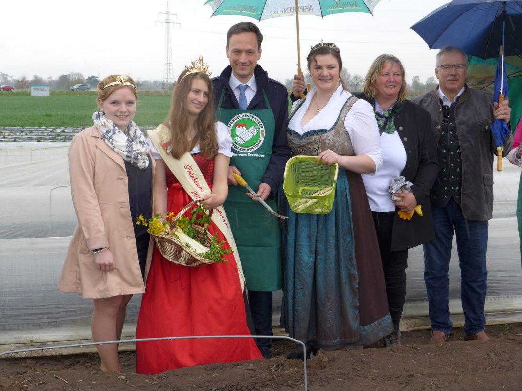 Die Amtszeit der jetzigen Spargelprinzessin Susanna Götz endet im April 2019. Foto: Tourist-Information Schweinfurt 360°