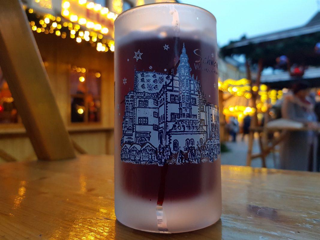 Auf dem Weihnachtsmarkt gibt es nicht nur klassischen Glühwein. Foto Dirk Flieger