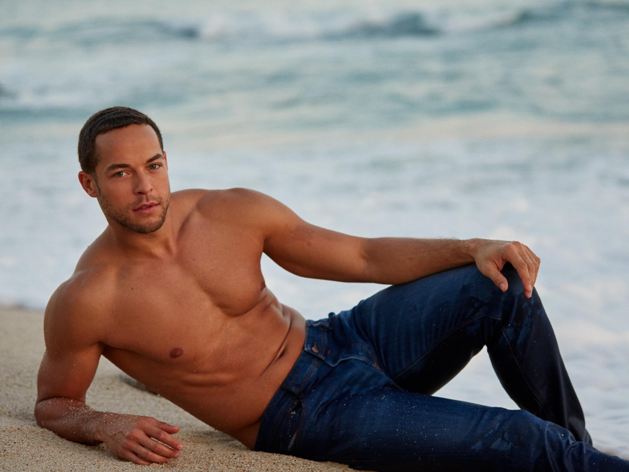 Andrej ist der neue Bachelor. Foto: MG RTL D/Arya Shirazi