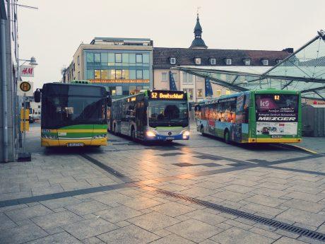 Stadtbusse am Roßmarkt. Foto: Dirk Flieger