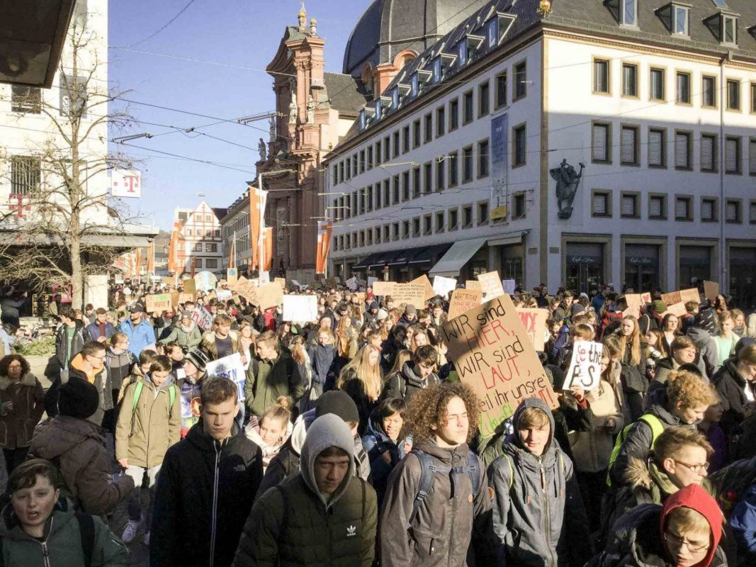 """Fridays for future""-Demonstration in Würzburg. Foto: Kevin Riedmann"