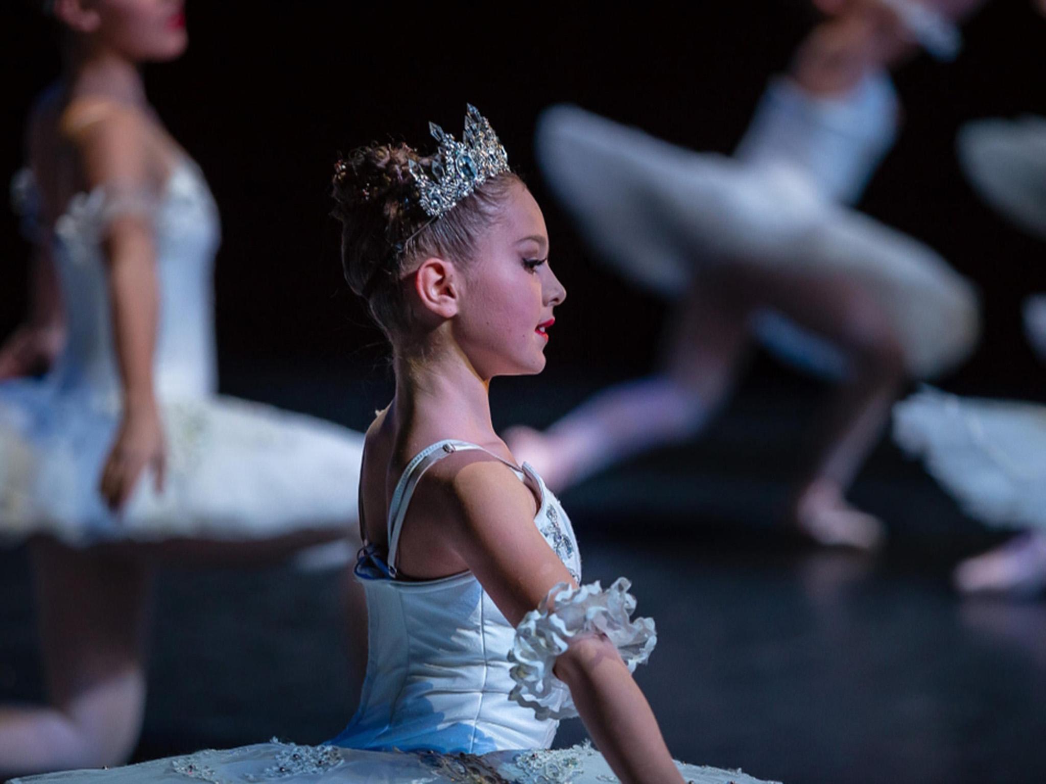 """Seit einem Jahr tanzt Evelyn Ballett. Im Februar tanzte sie im Schweinfurter Stadttheater die Hauptrolle in """"The Snowqueen"""". Foto: Olga Held"""