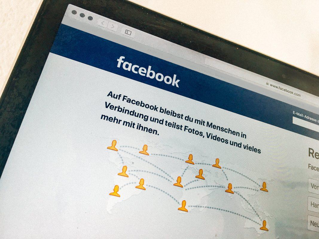 Facebook, Soziale Medien