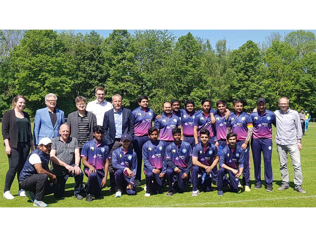 Teamfoto des Cricket-Teams der Turngemeinde Schweinfurt Foto: ISB
